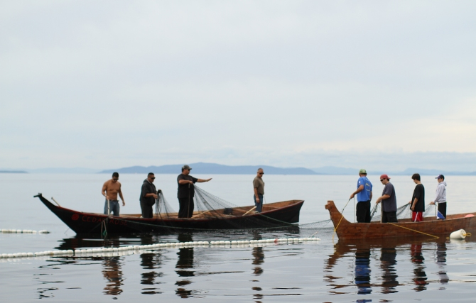 Lummi tribal members reef net fishing-3